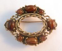 Vintage Miracle Scottish Style Mock Agate Stone Brooch.